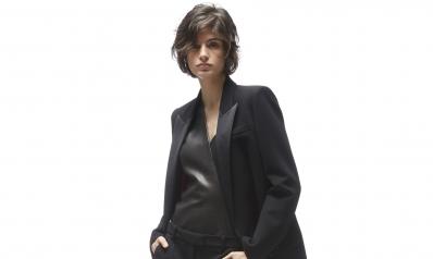 Un total look noir réussi: mode d'emploi